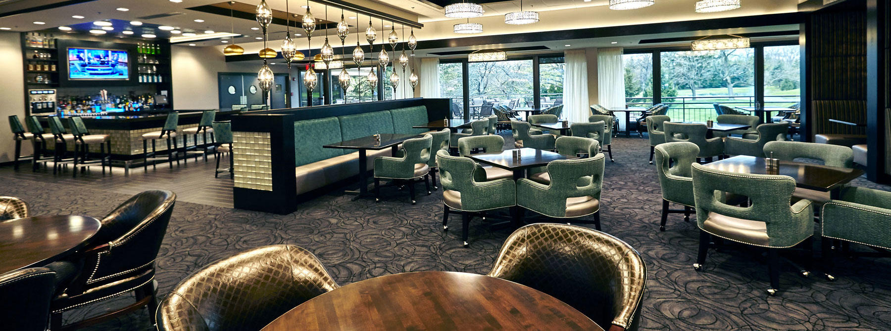 Ravinia-Green_Riverwood_IL-bar-grill-Main1_frontpagehero